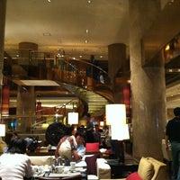 Foto tirada no(a) Hilton Tokyo por Cesar L. em 10/13/2012