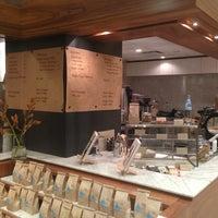 7/6/2013 tarihinde Fanghao C.ziyaretçi tarafından Blue Bottle Coffee'de çekilen fotoğraf