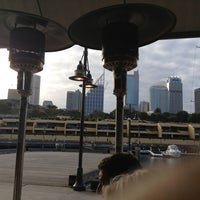 Foto diambil di Manta Restaurant oleh Tats pada 12/21/2012