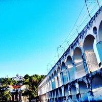 Das Foto wurde bei Arcos da Lapa von Rodrigo M. am 4/21/2013 aufgenommen