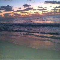 Foto tomada en Mamita's Beach Club por Tere C. el 1/26/2013