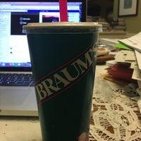 Das Foto wurde bei Braum's Ice Cream & Dairy Store von Art F. am 3/8/2018 aufgenommen