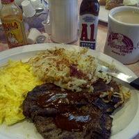 Foto tirada no(a) Rosie's Diner por Richy T. em 6/16/2013
