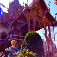 Foto scattata a Wat Bupparam da Bertrand R. il 11/9/2013