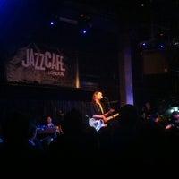 Photo prise au Jazz Cafe par Cameron S. le11/9/2012