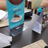 Foto scattata a Elaine Rotisserie e Restaurante da Mara F. il 1/21/2019