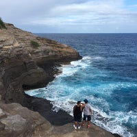 Foto tomada en Spitting Caves por Jerome A. el 5/10/2017