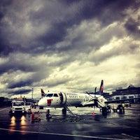 Foto tomada en Aeropuerto de Ginebra Cointrin (GVA) por Kevin Burg el 1/11/2013