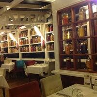 3/30/2013 tarihinde Gökalp E.ziyaretçi tarafından Nalia Karadeniz Mutfağı Bostancı'de çekilen fotoğraf
