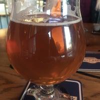 Foto scattata a Tenaya Creek Brewery da Gemini .. il 11/6/2018