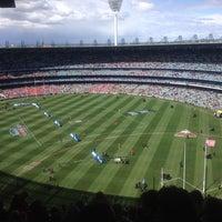 Das Foto wurde bei Melbourne Cricket Ground (MCG) von Sam Y. am 9/29/2012 aufgenommen