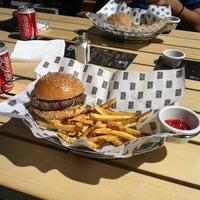 รูปภาพถ่ายที่ Burger House โดย Toni B. เมื่อ 7/19/2013