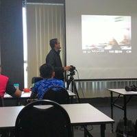 รูปภาพถ่ายที่ Sifoo Art & Multimedia Training Center โดย Fadly H. เมื่อ 12/20/2014