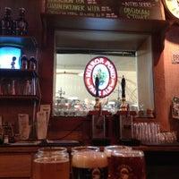 6/15/2013 tarihinde Tina P.ziyaretçi tarafından Deschutes Brewery Bend Public House'de çekilen fotoğraf