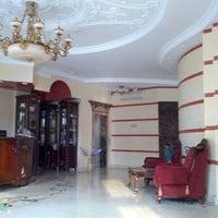 4/24/2013 tarihinde Anton A.ziyaretçi tarafından Staro Hotel'de çekilen fotoğraf
