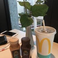 Das Foto wurde bei McDonald's von Robbie W. am 5/18/2017 aufgenommen