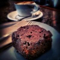 7/21/2013 tarihinde Michael N.ziyaretçi tarafından Everyday Coffee'de çekilen fotoğraf
