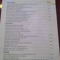 รูปภาพถ่ายที่ Cedar Crossing Tavern and Wine Bar โดย Ryan N. เมื่อ 1/29/2013