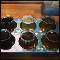 รูปภาพถ่ายที่ Discretion Brewing โดย katherine c. เมื่อ 5/25/2013