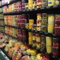 Foto scattata a Whole Foods Market da Thaphat ผ. il 5/22/2015