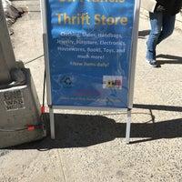 Снимок сделан в St Francis Thrift Shop пользователем Michelle M. 3/20/2017