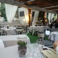 รูปภาพถ่ายที่ M29 Restaurante Hotel Miguel Angel โดย Nacho D. เมื่อ 7/23/2014