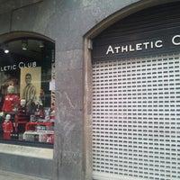 Foto tomada en Tienda Oficial Athletic Club de Bilbao por Jon S. el 9  ... 3f970e3abc25e