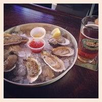 รูปภาพถ่ายที่ Harry's Oyster Bar & Seafood โดย Edgar P. เมื่อ 4/23/2013