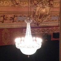 Foto diambil di Longacre Theatre oleh Anne B. pada 3/26/2014