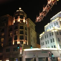 Снимок сделан в Streets of Beverly Hills пользователем Alexander B. 12/30/2012