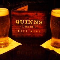 Foto scattata a Quinn's Irish Pub da Andrew M. il 8/30/2013