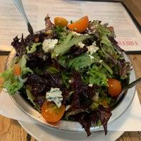 Das Foto wurde bei Fireflour Pizza + Coffee Bar von Nicholas K. am 10/12/2019 aufgenommen