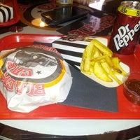 Das Foto wurde bei Black Cab Burger von Márti S. am 10/28/2012 aufgenommen