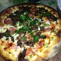 Foto diambil di Pirilo Pizza Rústica oleh Sahil P. pada 6/22/2013
