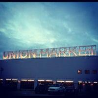 Foto tirada no(a) Union Market por Michael S. em 11/3/2012
