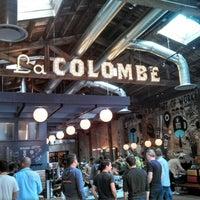 Photo prise au La Colombe Coffee Roasters par Tim B. le10/4/2014