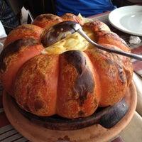 Foto scattata a Pitangueiras Restaurante da Natasha N. il 11/15/2012