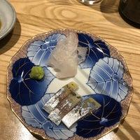 Foto tirada no(a) sushi AMANE por xq em 6/13/2019