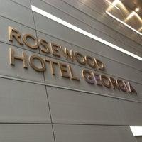รูปภาพถ่ายที่ Rosewood Hotel Georgia โดย BayZest.com เมื่อ 12/26/2012