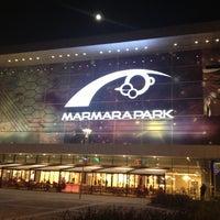 Foto tirada no(a) Marmara Park por Cemil Y. em 11/27/2012