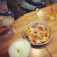 Foto diambil di Gusto Taco oleh Yul L. pada 2/1/2014