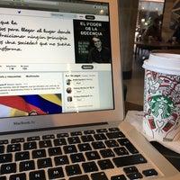 Снимок сделан в Starbucks пользователем Daniel V. 1/19/2018