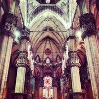 รูปภาพถ่ายที่ Duomo di Milano โดย Lidia S. เมื่อ 5/5/2013
