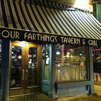 Снимок сделан в Four Farthings Tavern & Grill пользователем Melissa K. 11/4/2012