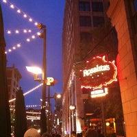 Foto diambil di Rosalita's Cantina oleh Robyn S. pada 10/1/2012