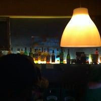 Foto tirada no(a) FlipFlop Bar por Atanas K. em 6/22/2013