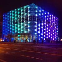 รูปภาพถ่ายที่ Ars Electronica Center โดย geheimtip ʞ. เมื่อ 10/6/2012