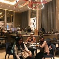 Photo prise au Sheraton Grand Jakarta Gandaria City Hotel par Inez W. le7/17/2018