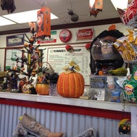 10/18/2012 tarihinde Noel L.ziyaretçi tarafından Vinnie's Sub Shop'de çekilen fotoğraf
