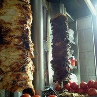 Das Foto wurde bei Döner Kabab von Esteban D. am 1/28/2012 aufgenommen